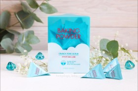 Etude House Baking Powder Crunch Pore Scrub -  скраб с содой